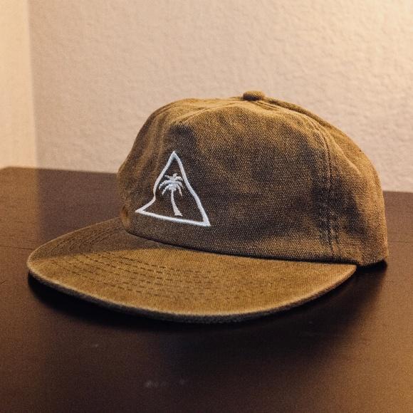 3bd65f052da Mens Catch Surf Snapback Hat Olive Green. M 5c4195f48ad2f90a13d59646